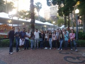 Nossa turma visitou a Feira do Livro de Porto Alegre, fooi muito legal viajar e conhecer a Feira com a turma, vivendo e aprendendo!!!